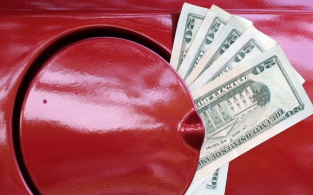 10 Ways to Save Money on Gas